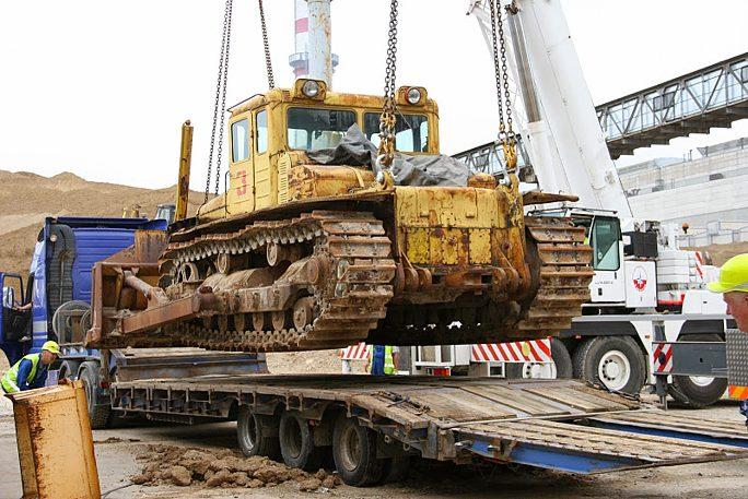 Бульдозер Нарвских электростанций станет музейным экспонатом