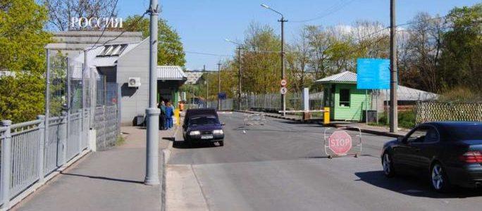 В Ивангороде пешеходов поймали с поличным: несли свинину
