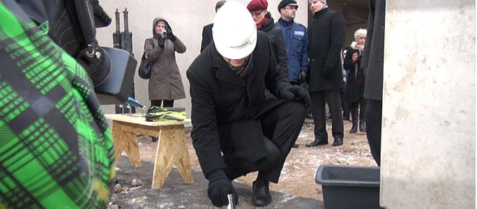 Видео. Cостоялась закладка краеугольного камня нового здания погранпункта в Нарве