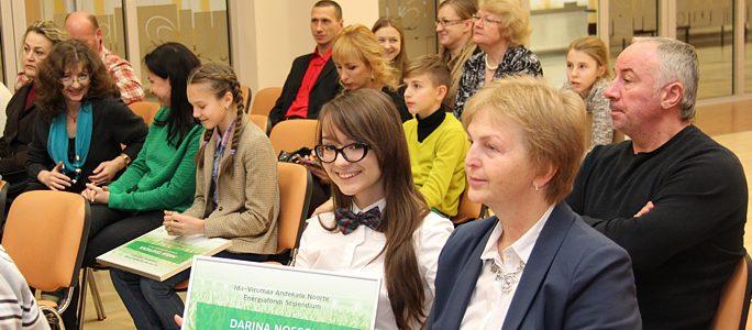 Юные таланты Ида-Вирумаа получили 4350 евро