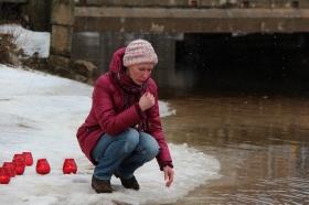+Видео. +Галерея. Крещенские купания в Нарве прошли при плюсовой температуре