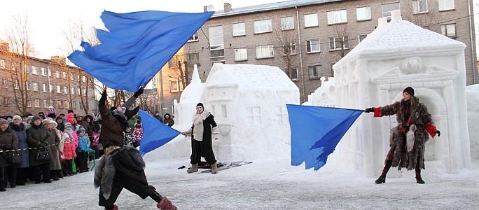 +Видео. +Галерея. В центре Нарвы выросла еще одна Нарва — из льда и снега