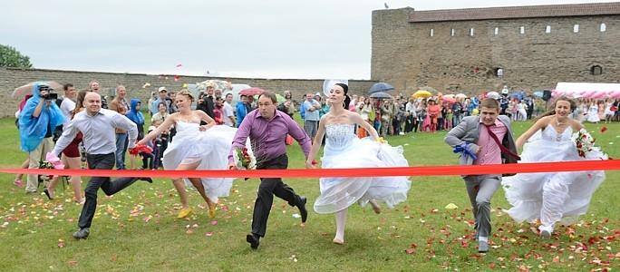 Для участия в акции зарегистрировались  первые 16 невест
