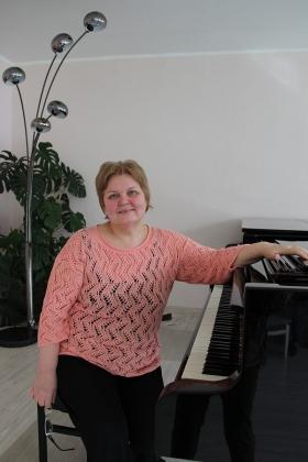 Вера Алиева: без душевной связи музыке учить нельзя...