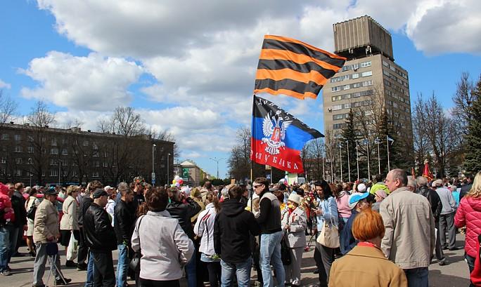 9 мая в Нарве: флаги не отбирали, украденную аппаратуру вернули