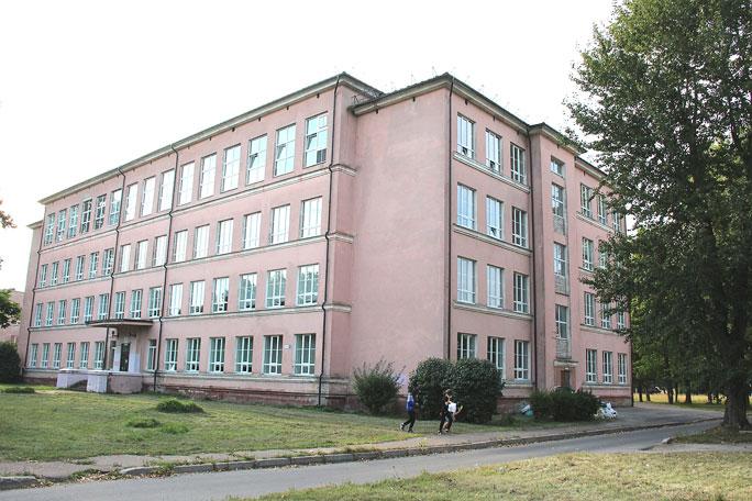 Шестая школа 1 сентября откроет двери в другом здании