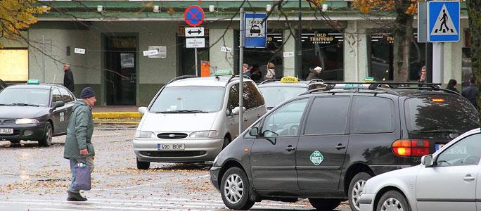 Ужесточение языковых требований к таксистам отложено на год
