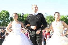 Галерея. Дневник акции. Дефиле и танец невест