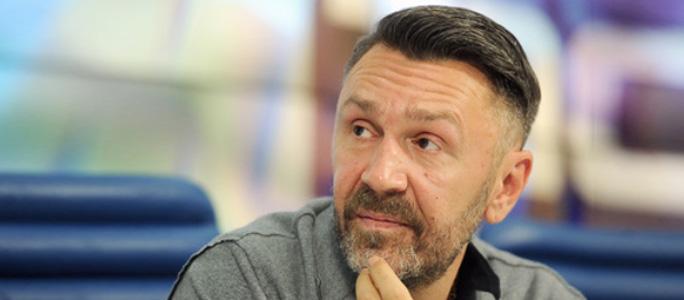 GQ назвал «Человеком года» Сергея Шнурова