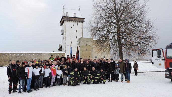 Флаг спасателей освятили в Нарве