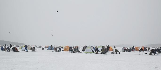 Со вторника разрешен выход на лед водоемов на восточной границе