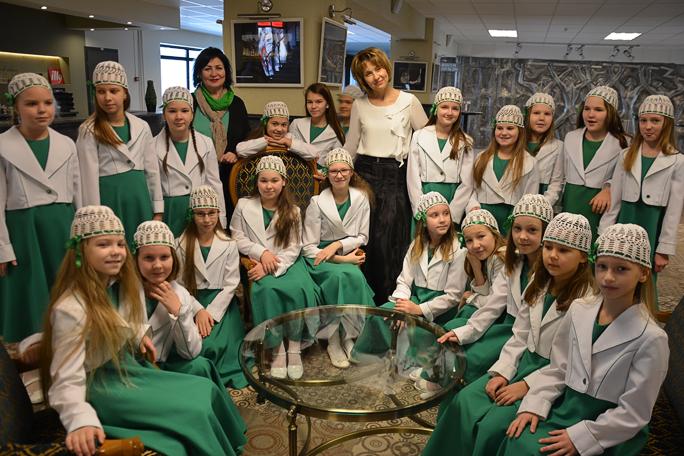 Владыка Лазарь вручил «Рождественскую звезду» юным нарвским талантам