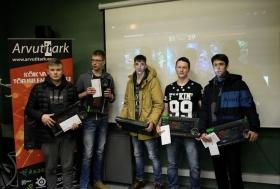 +Галерея. Нарвский гимназист организовал турнир по киберспорту с призовым фондом 2000 евро