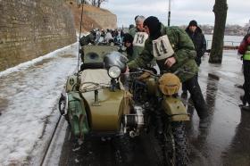 +Галерея.  Зимой на старинном мотоцикле - на любителя