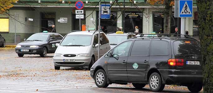 В Нарве 1,5 месяца нельзя было стать таксистом