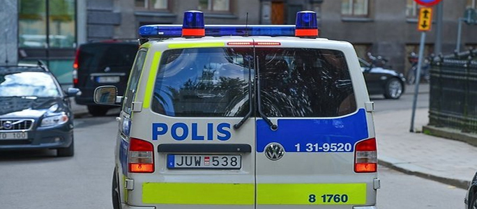 Грузовик въехал в толпу в центре Стокгольма, есть пострадавшие