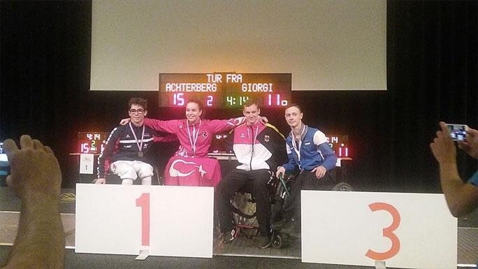 Молодой паралимпийский фехтовальщик впервые выиграл бронзовую медаль этапа кубка мира