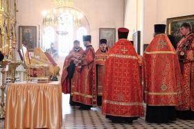 Галерея. Можно поклониться мощам новомучеников