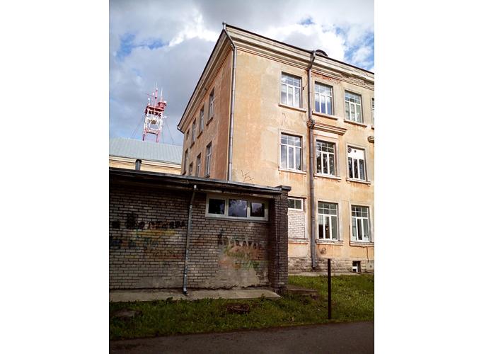При реновации школы часть здания могут снести