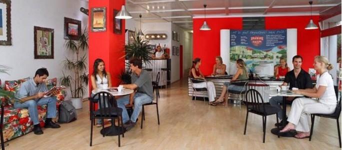 Организаторами языковых кафе желают видеть и местных жителей
