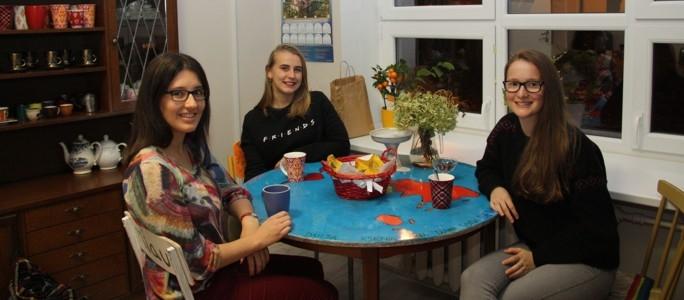 Волонтеры в Нарве: «Люди улыбаются, когда слышат наш русский»