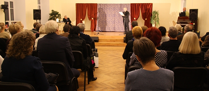 +Галерея. Юрий Михалев не только ставит спектакли,  но и растит актеров