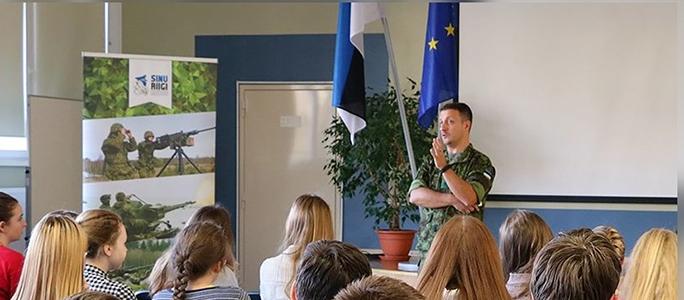 Генерал Тиганик — нарвским гимназистам: конечно же, вас ждут служить в армии Эстонии