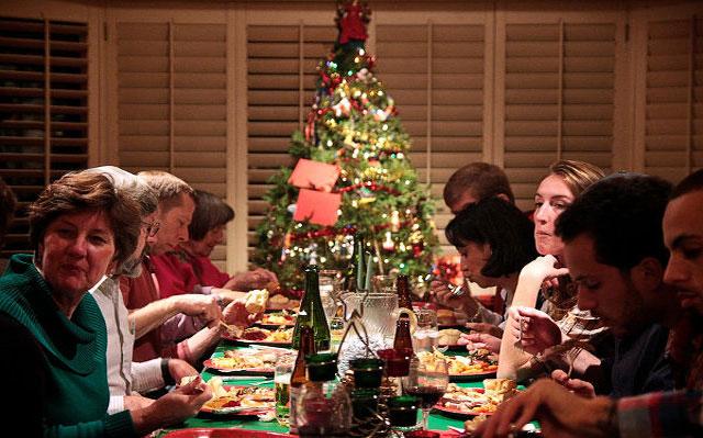 Спросите у священника. Когда садиться за рождественский стол?
