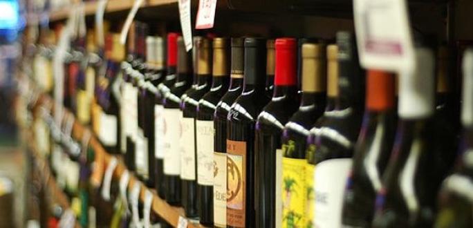 Рийгикогу принял закон о снижении роста акциза на алкоголь