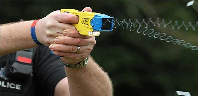 Полиция приступила к переговорам о покупке электрошокеров