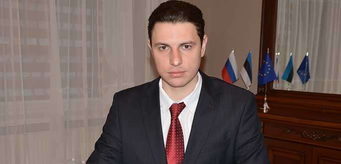 Атташе Генерального консульства РФ в Нарве: к адвокатам лучше обращаться до решения суда