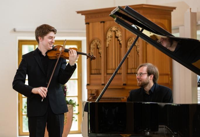 Максим Щура, пианист, композитор, докторант и наконец - просто сын своего отца