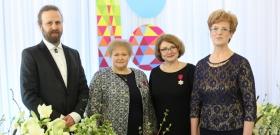 +Галерея. Вручение государственных наград  и  выступление президента ЭР Керсти Кальюлайд  в Нарве