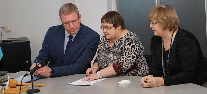 Нарвское горсобрание вновь попало под прицел Языковой инспекции