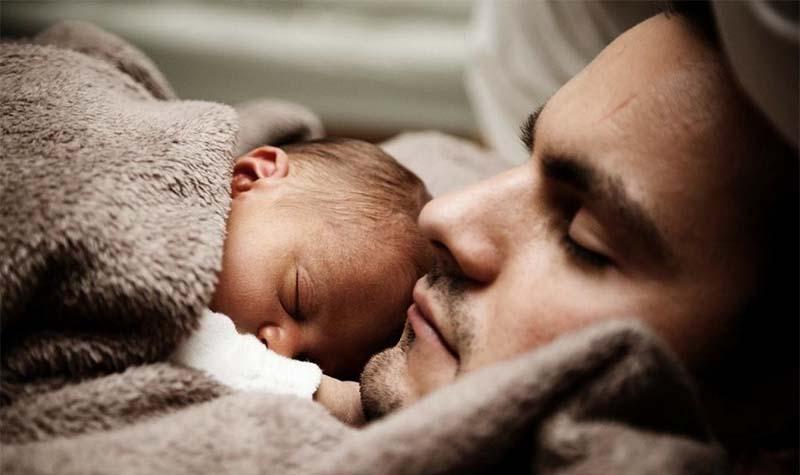 В Финляндии впервые мужчина родил ребенка