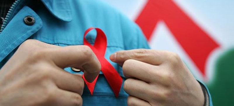 ERR: в Нарве некоторые обходили стороной участников Дня памяти жертв СПИДа