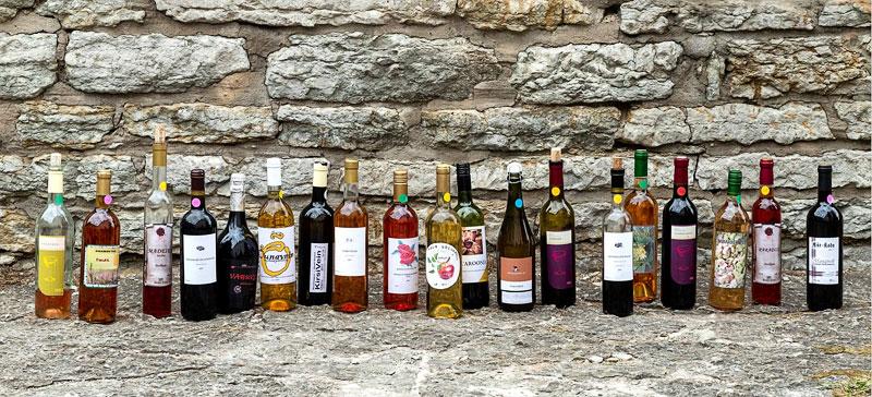 Среди финалистов конкурса лучшего домашнего вина Эстонии есть и цветочные вина