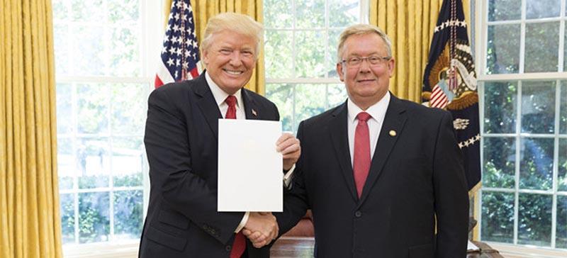 Посол Эстонии в США уходит с должности