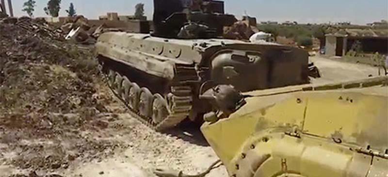 Сирийская армия захватила военную базу с танками и боеприпасами