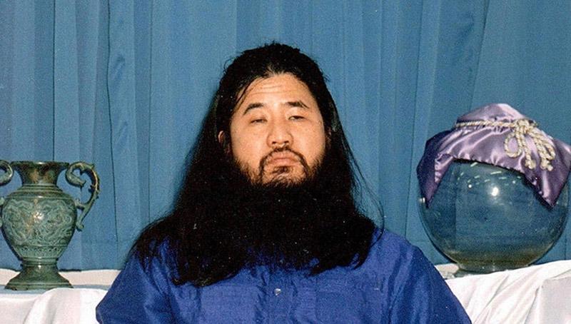 """В Японии казнили основателя секты """"Аум Синрикё"""" Сёко Асахару и шесть его соратников"""