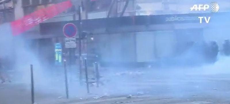 Празднование победы на ЧМ во Франции закончилось погромами и смертям
