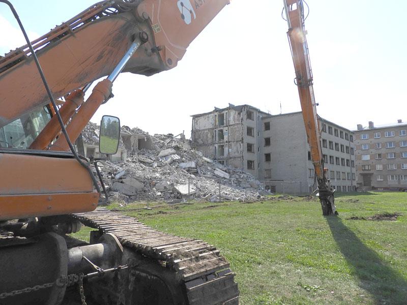 На месте части бывшей «общаги» по Выйду, 17 появится парковка