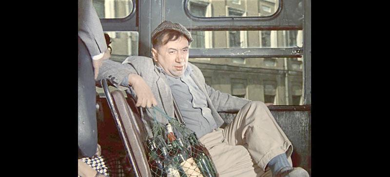 Должны ли мы терпеть пьяных пассажиров в автобусе и неадекватных клиентов в кафе и магазинах?
