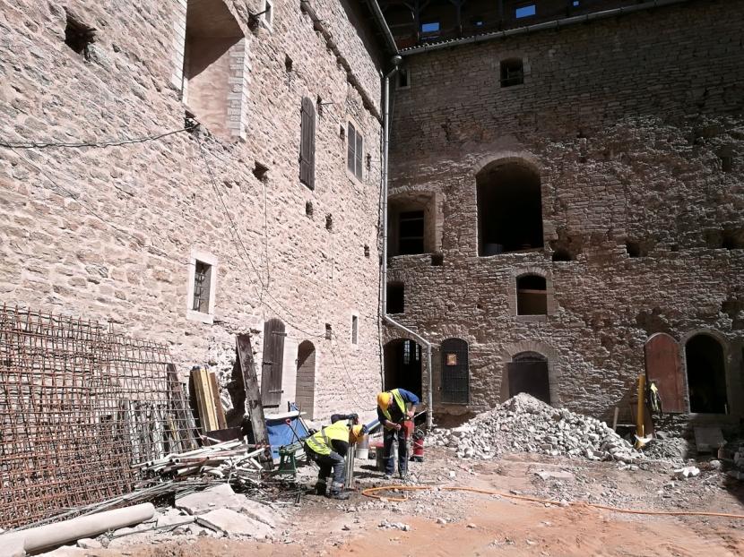 +Галерея. Реконструкция в Нарвском замке: внешние работы практически завершены, внутренние – в самом разгаре