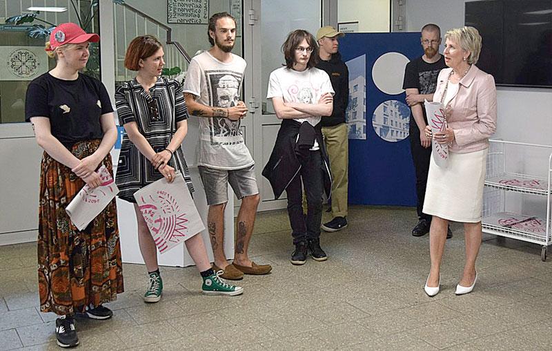 Молодые таланты приглашают принести «Искусство в библиотеку»