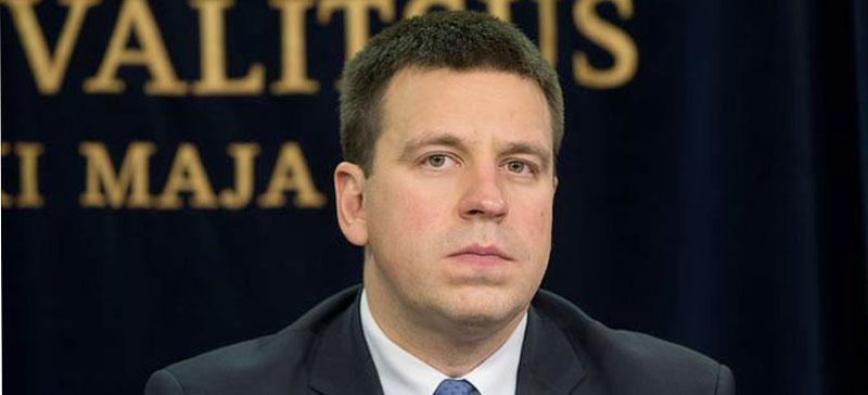 Ратас призвал подозреваемых в коррупции уйти из Нарвского горсобрания