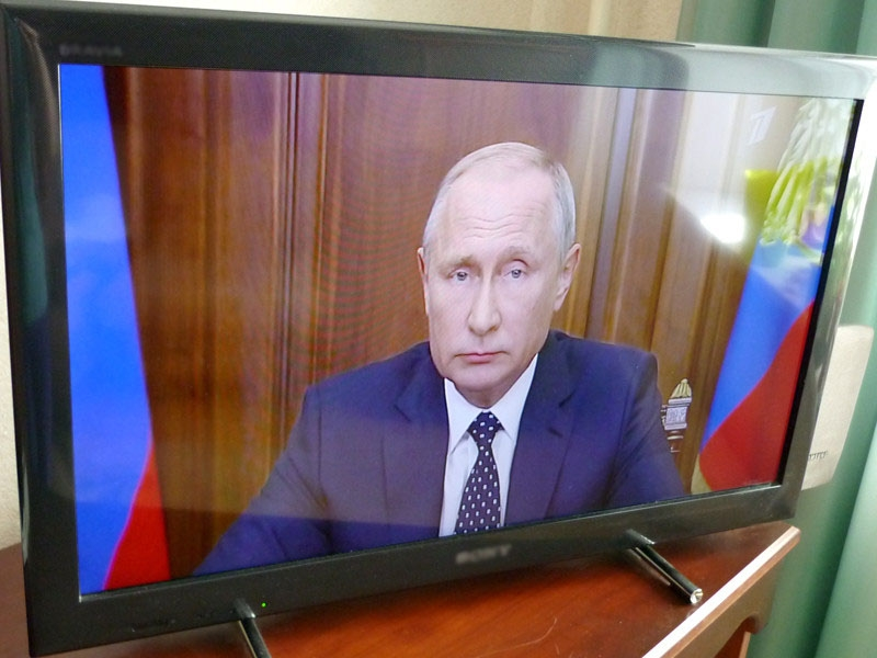 """Обращение Путина по пенсиям породило мем """"прошу отнестись с пониманием"""": """"мы все просрали, но прошу...""""; """"вас все равно ограбят, но прошу..."""""""