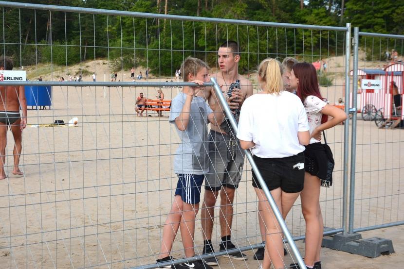 +Галерея. Пляжный фестиваль: народ поет их песни