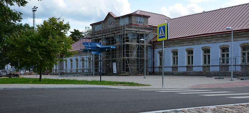 Строительство навеса для Нарвского автовокзала отложено до весны