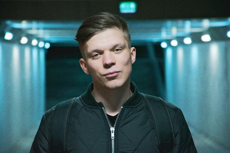 Роман Емельянов, который пишет электронную музыку и любит истории людей